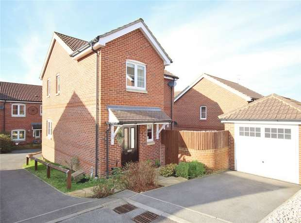 3 Bedrooms Detached House for sale in Wellow Gardens, Oakdale, Poole, Dorset