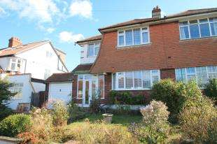 3 Bedrooms Semi Detached House for sale in Village Way, Beckenham