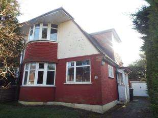 3 Bedrooms Semi Detached House for sale in Hazelwood Grove, Sanderstead, South Croydon