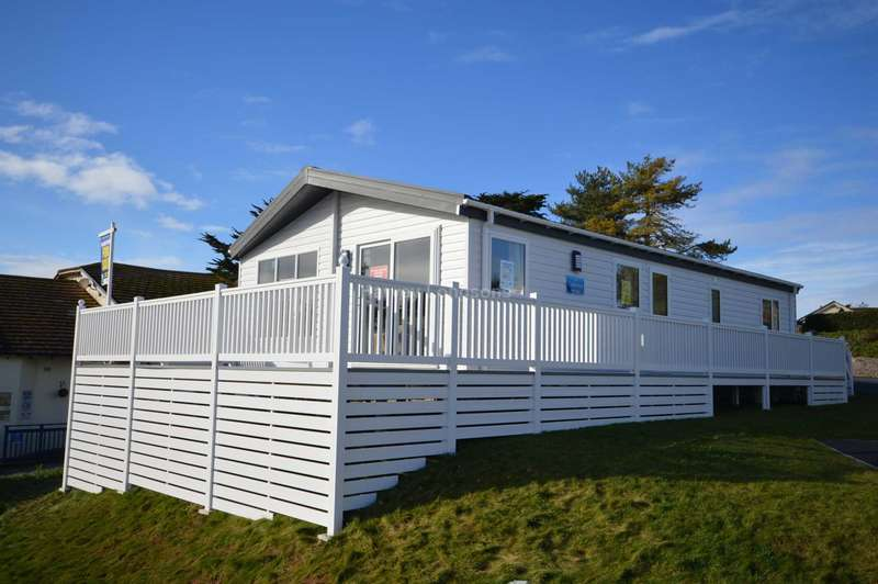 2 Bedrooms Lodge Character Property for sale in Landscove Holiday Park, Gillard Road, Berry Head, Brixham