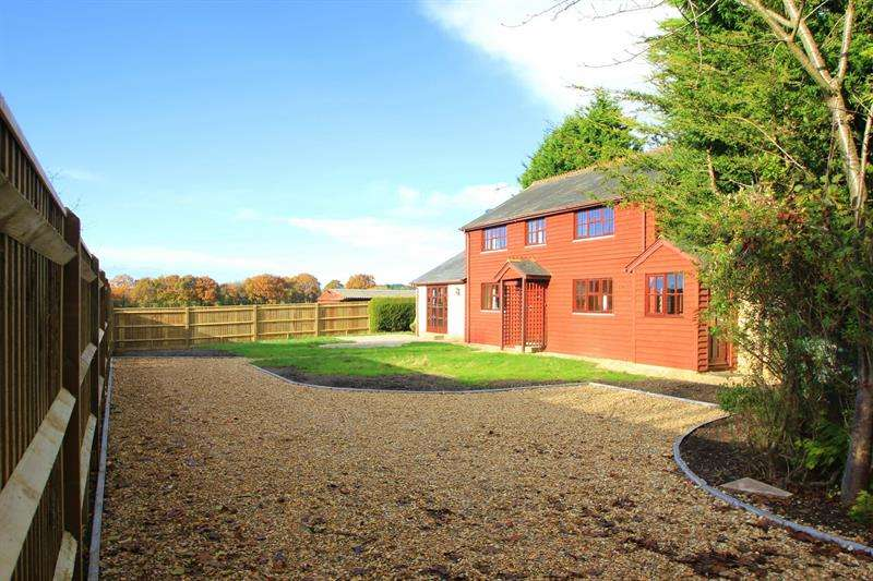 4 Bedrooms Detached House for sale in Eastworth Road, Verwood