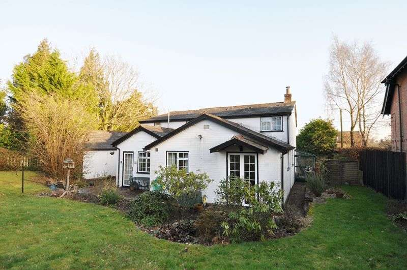 4 Bedrooms Detached House for sale in Charming Cottage Set In Woodlands