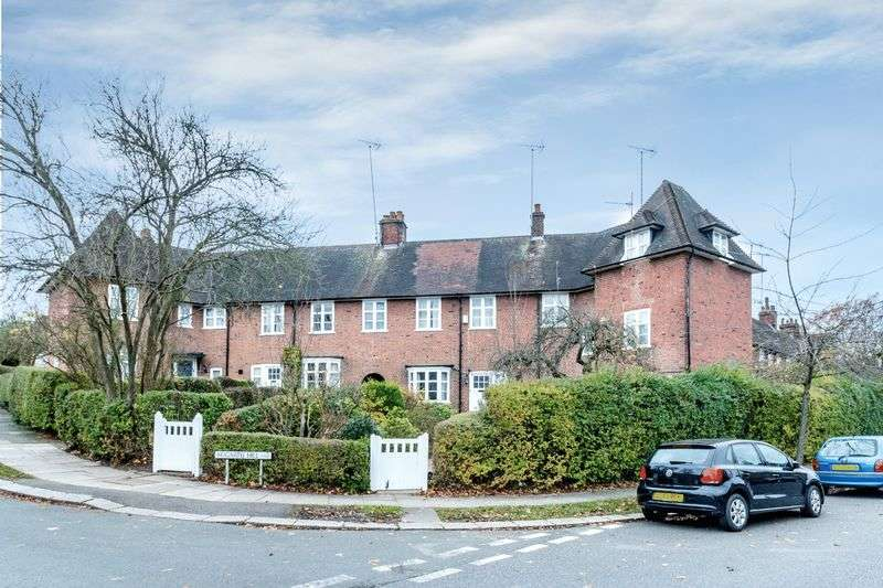 4 Bedrooms Cottage House for sale in Hogarth Hill, Hampstead Garden Suburb, NW11