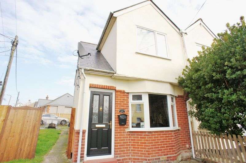 3 Bedrooms Semi Detached House for sale in Upper Park Road, Brightlingsea