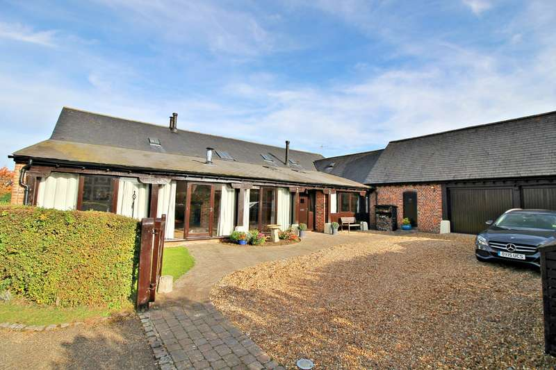 4 Bedrooms Barn Conversion Character Property for sale in Paddock View, Mangrove Green, Cockernhoe, LU2