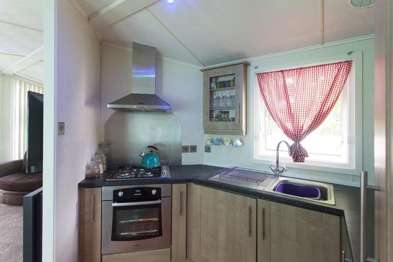 2 Bedrooms Bungalow for sale in Bradford lane, Maccle, Cheshire, SK10