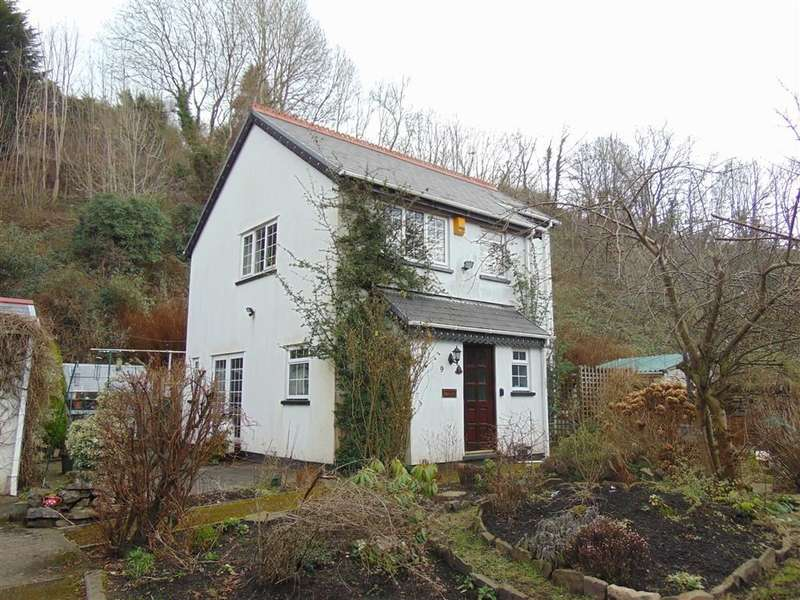 2 Bedrooms Property for sale in Tram Road Side, Treharris