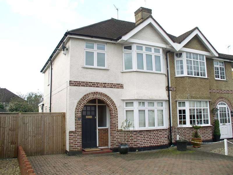 3 Bedrooms Property for sale in King George Avenue, Walton-On-Thames