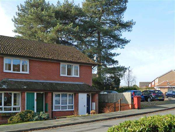 2 Bedrooms House for sale in Claremont Way, Midhurst