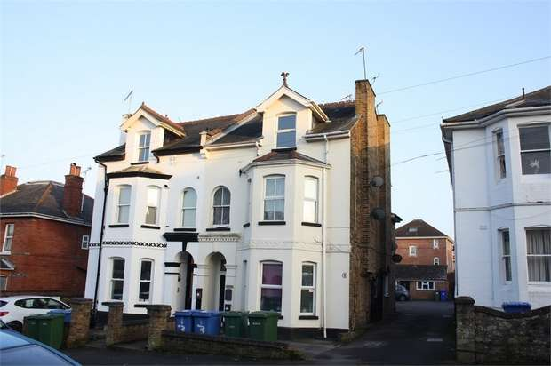 1 Bedroom Studio Flat for sale in St Michaels Road, Aldershot, Hampshire
