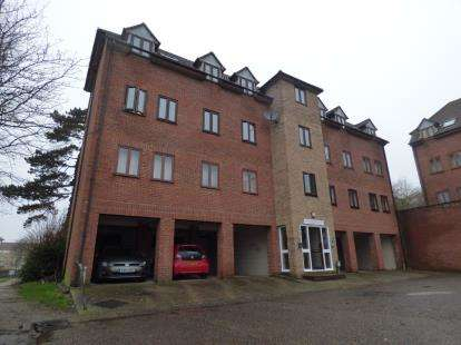 2 Bedrooms Flat for sale in 5 Angle Side, Braintree