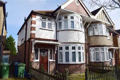 3 Bedrooms Semi Detached House for sale in Lowick Road, Harrow