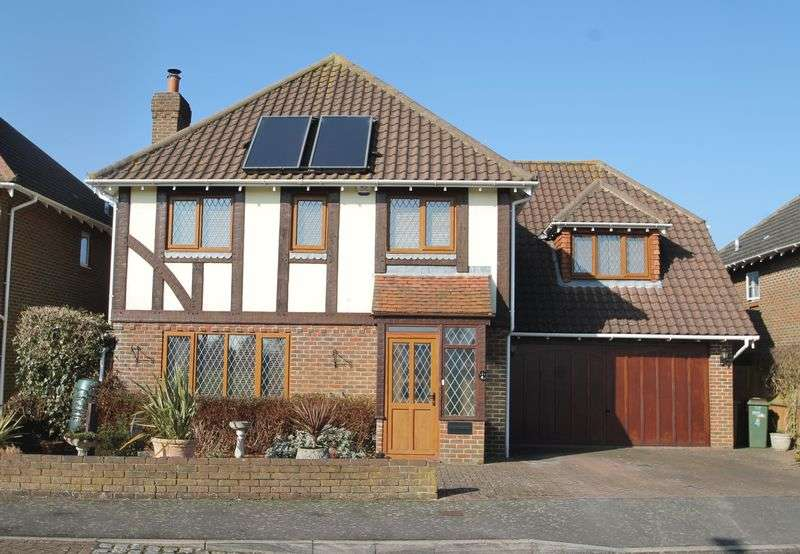5 Bedrooms Detached House for sale in Hawkinge, Folkestone
