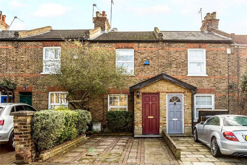 3 Bedrooms Terraced House for sale in Mountfield Road, Ealing, W5