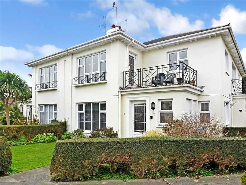 2 Bedrooms Apartment Flat for sale in Bowling Green Close, Bognor Regis, West Sussex