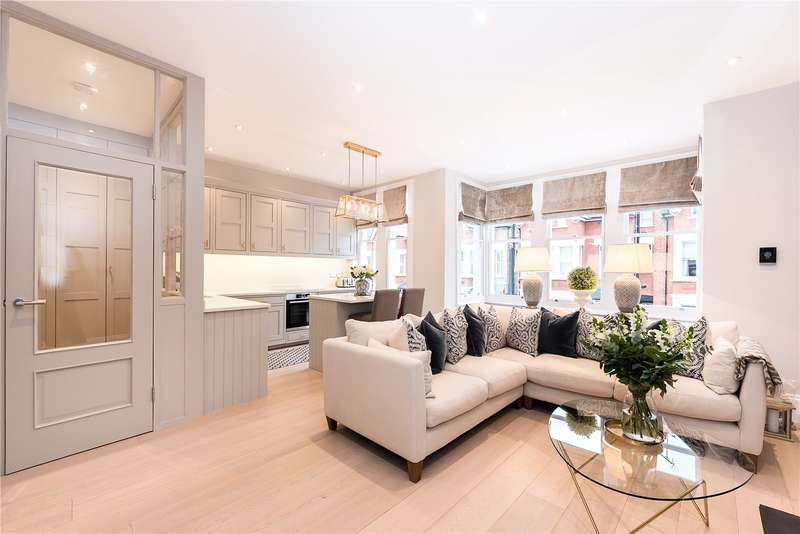 2 Bedrooms Flat for sale in Ellerker Gardens, Richmond Hill, TW10
