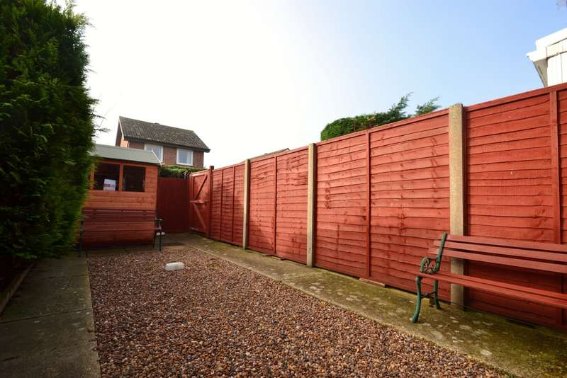 2 Bedrooms Terraced House for sale in Muscliffe
