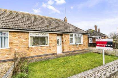 2 Bedrooms Bungalow for sale in Kennedy Avenue, Skegness, Lincolnshire, England