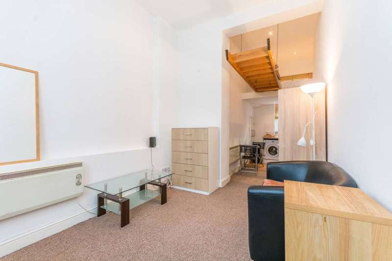 Block Of Apartments Flat for sale in Balls Pond Road, London, N1 4AJ