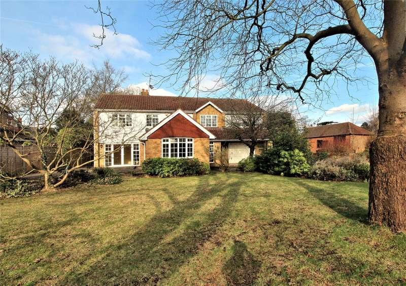 5 Bedrooms Detached House for sale in Jackmans Lane, Woking, Surrey, GU21