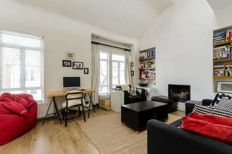 2 Bedrooms Maisonette Flat for sale in Lambrook Terrace, Munster Village, SW6
