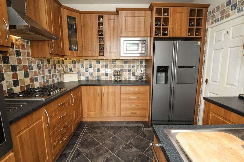3 Bedrooms Terraced House for sale in Liverpool Road, Wigan