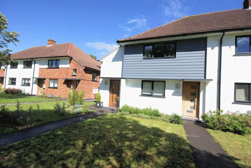 2 Bedrooms Flat for sale in Henville Close, Gosport, PO13
