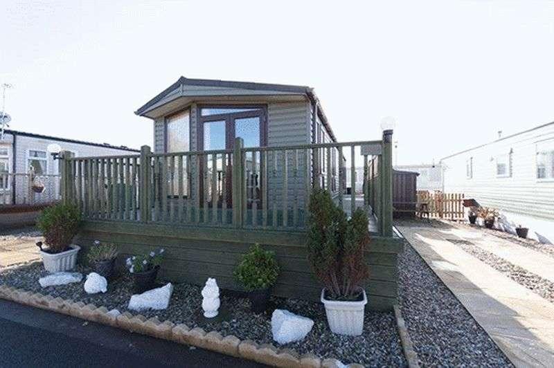 2 Bedrooms Bungalow for sale in 26H Sunset Park, Sower Carr Lane, Hambleton, Poulton-Le-Fylde, Lancashire, FY6 9EQ