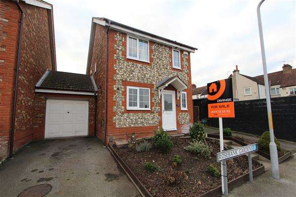 3 Bedrooms Detached House for sale in Rosebank Gardens, Gravesend