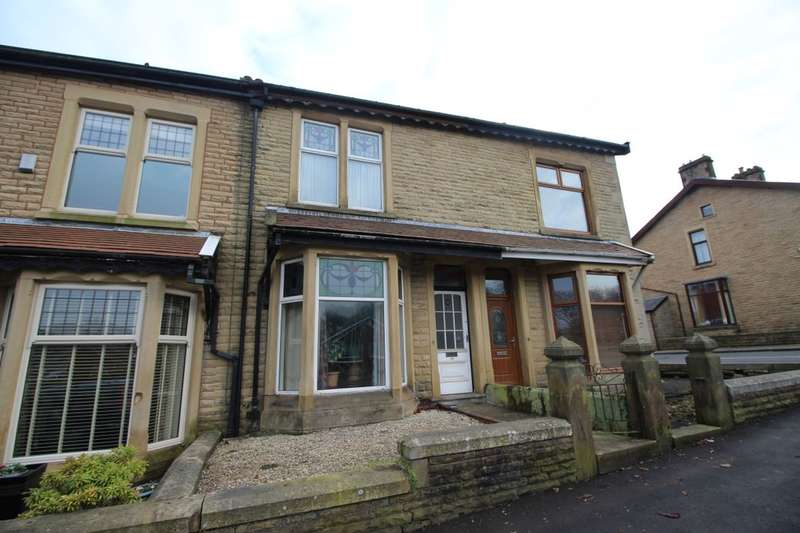 3 Bedrooms Property for sale in Earnsdale Road, Darwen, BB3