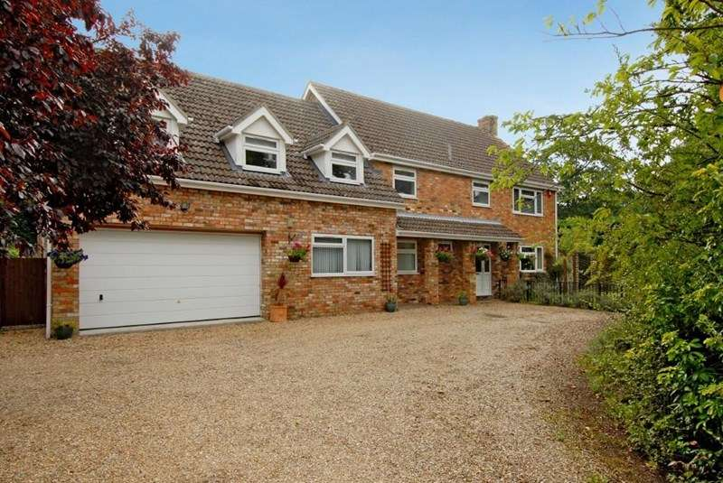 6 Bedrooms Detached House for sale in The Paddocks, Worlington, BURY ST EDMUNDS