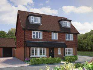 5 Bedrooms Detached House for sale in Wychwood Place, Turners Hill Road, Crawley Down, West Sussex
