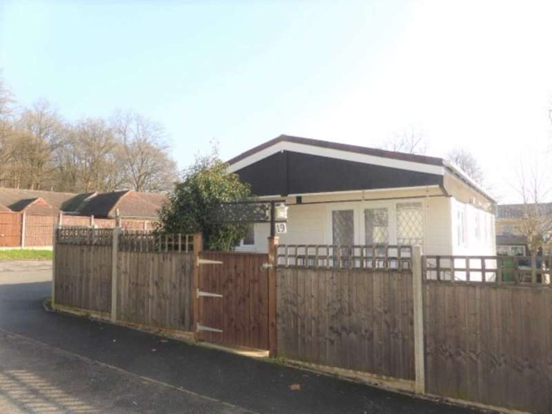 2 Bedrooms Park Home Mobile Home for sale in Duffins Orchard, Chertsey