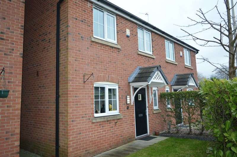 3 Bedrooms Semi Detached House for sale in Golborne Road, Lowton, WA3 2EB