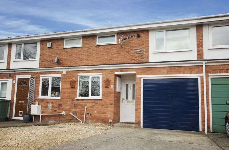 3 Bedrooms Terraced House for sale in Grove, Wantage