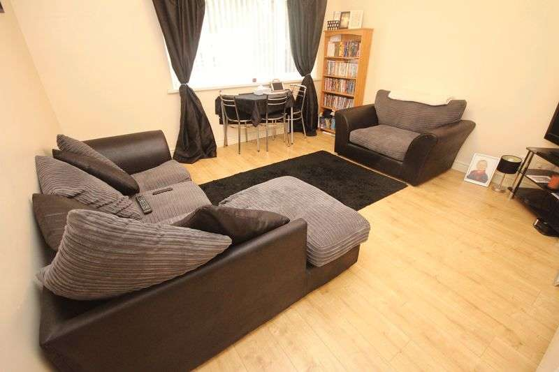 2 Bedrooms Flat for sale in Wentloog Close, Rumney
