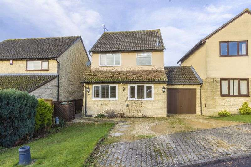 3 Bedrooms Detached House for sale in Meadow Close, Cheltenham