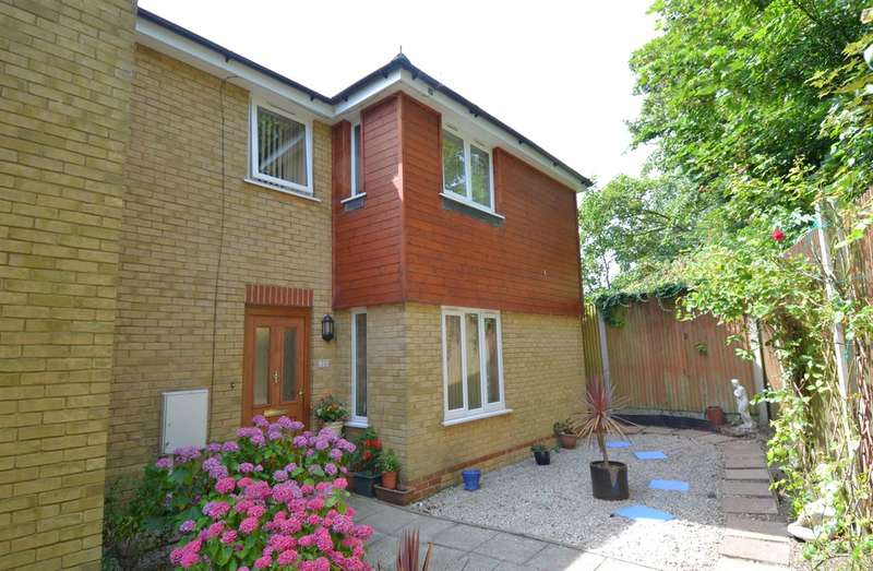 3 Bedrooms Semi Detached House for sale in Brook Road, Swalecliffe, Whitstable