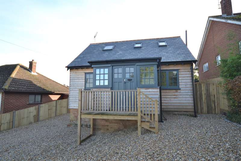 3 Bedrooms Detached House for sale in Paddock View, Whitstable