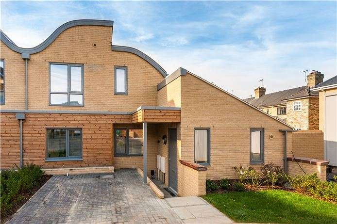 3 Bedrooms Semi Detached House for sale in Plot 2, Midsummer Place, Auckland Road, Cambridge