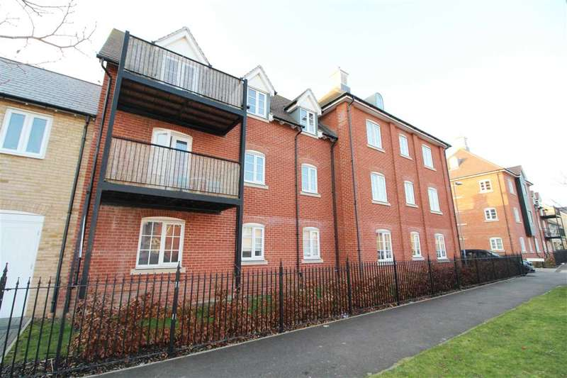 2 Bedrooms Apartment Flat for sale in Hooper Avenue, Colchester