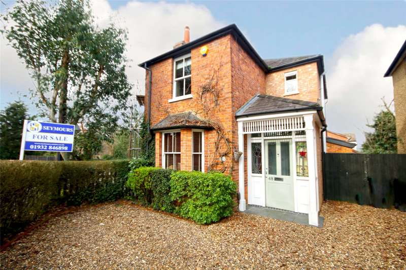 3 Bedrooms Semi Detached House for sale in Hare Hill, Addlestone, Surrey, KT15