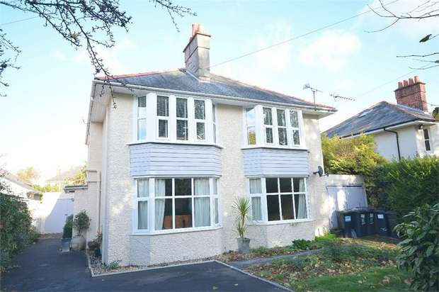 4 Bedrooms Detached House for sale in Iddesleigh Road, Bournemouth, Dorset