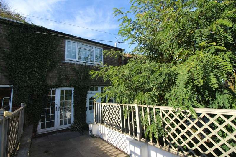 3 Bedrooms Property for sale in Princes Avenue, Walderslade, Chatham, ME5
