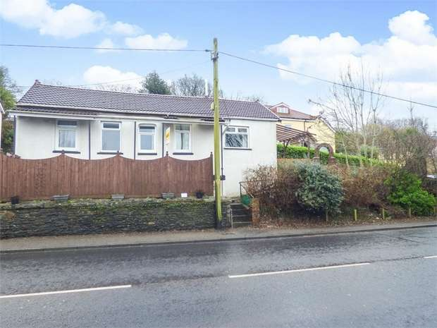 3 Bedrooms Detached Bungalow for sale in Main Road, Maesycwmmer, Hengoed, Caerphilly