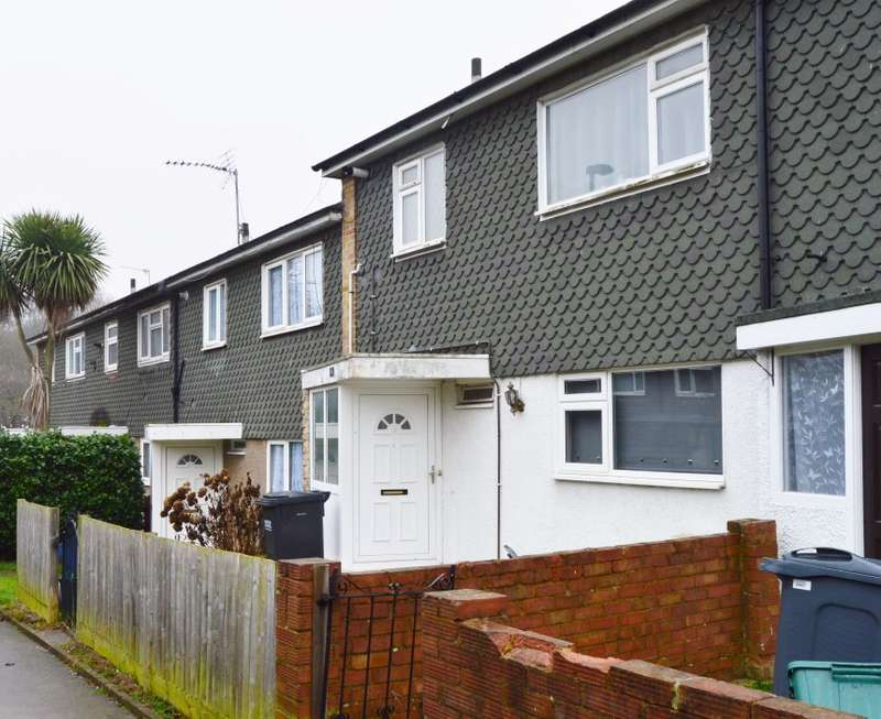 3 Bedrooms Terraced House for sale in North Walk, New Addington, Croydon, Surrey, CR0 9ET