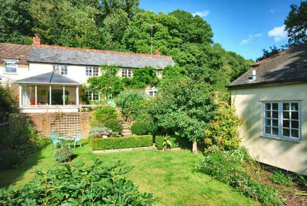 4 Bedrooms Semi Detached House for sale in Godshill Wood, Fordingbridge