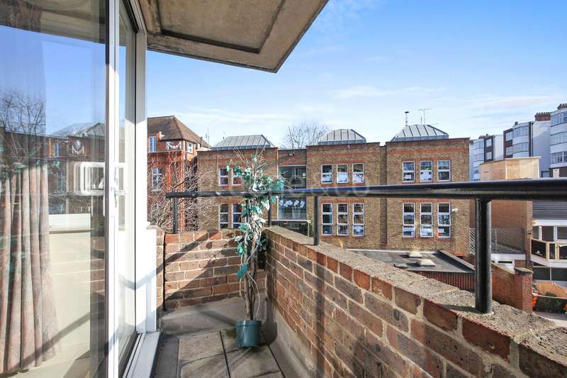 2 Bedrooms Flat for sale in Adamson Road, Belsize Park, London, NW3