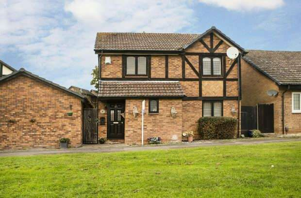 3 Bedrooms Detached House for sale in Pickwell Close, Lower Earley, Reading,