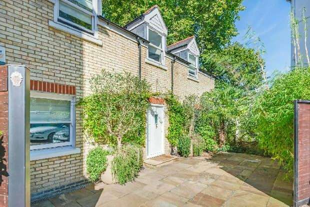 4 Bedrooms Unique Property for sale in Rosslyn Hill, Hampstead Village, NW3